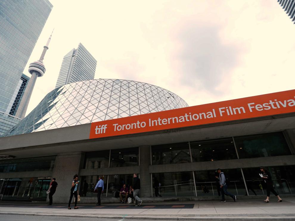 La sede del festival y la CN Tower de Toronto, en la inauguración del festival.