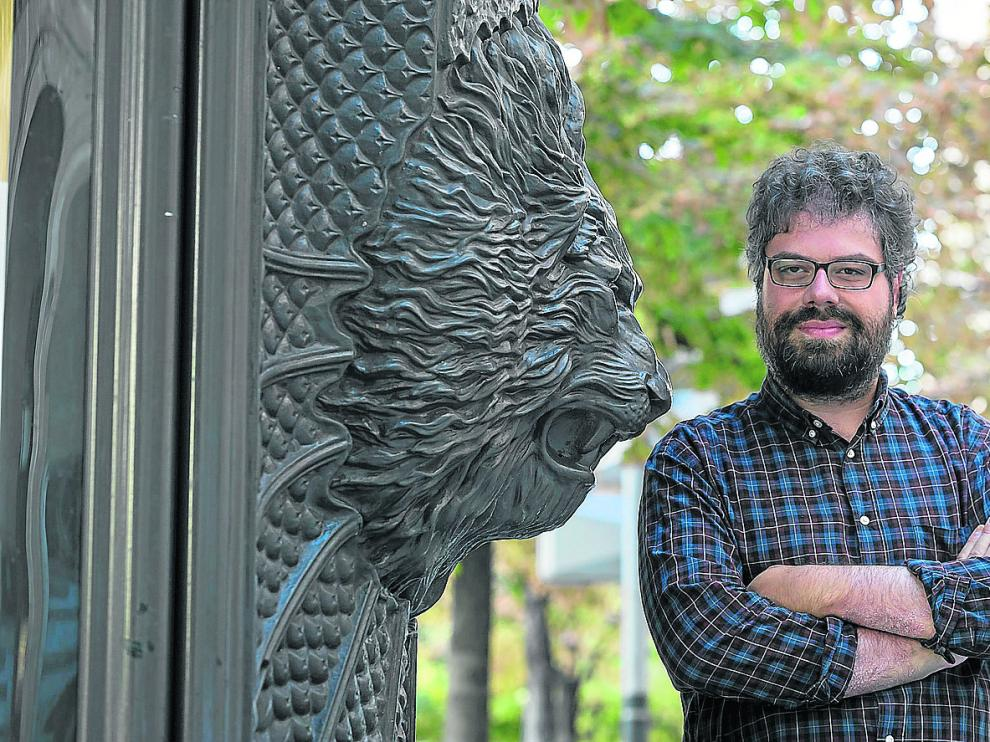 El escritor zaragozano Sergio del Molino se ha llevado el premio Espasa 2018 con su ensayo 'Lugares fuera de sitio'.