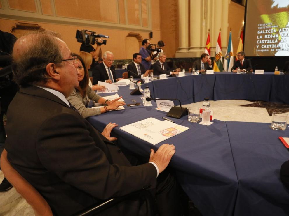 Cumbre contra la despoblación en Zaragoza