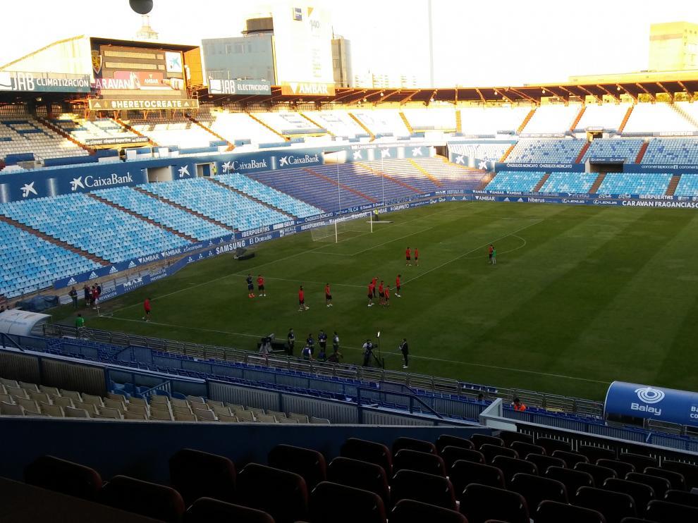 La Romareda, una hora antes del comienzo del partido.