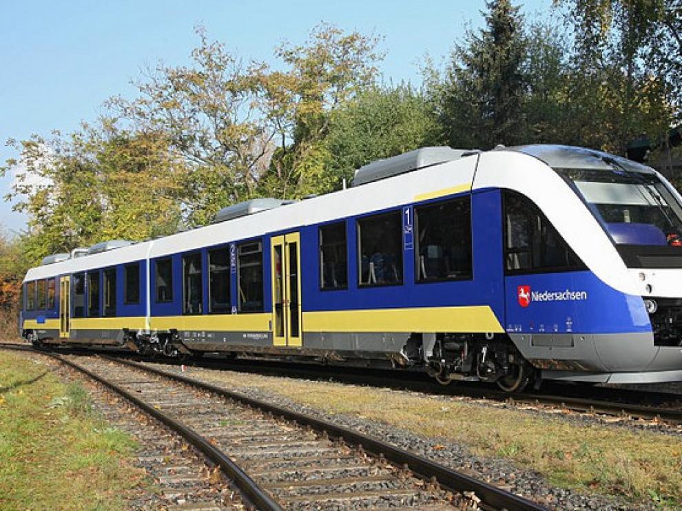 El primer tren de hidrógeno que se ha puesto en marcha está en la Baja Sajonia en Alemania y es de la empresa Alstom.