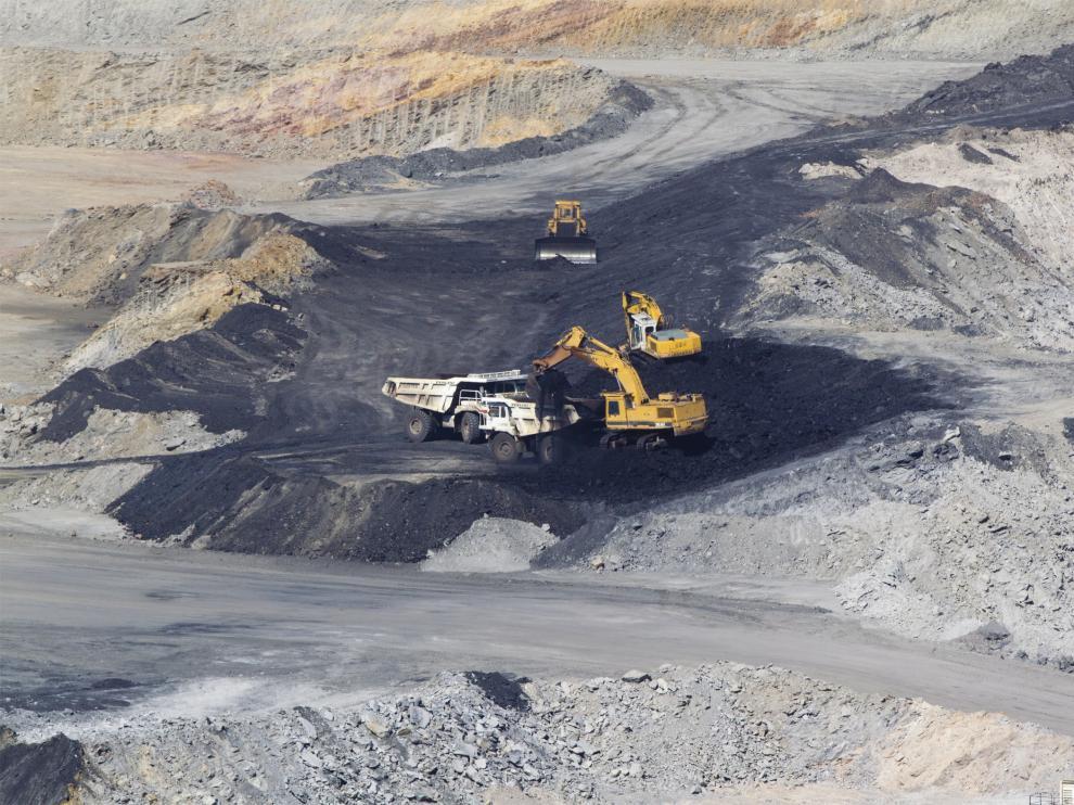 El accidente tuvo lugar en una mina a cielo abierto en Foz Calanda. En la imagen una explotación similar en Ariño.