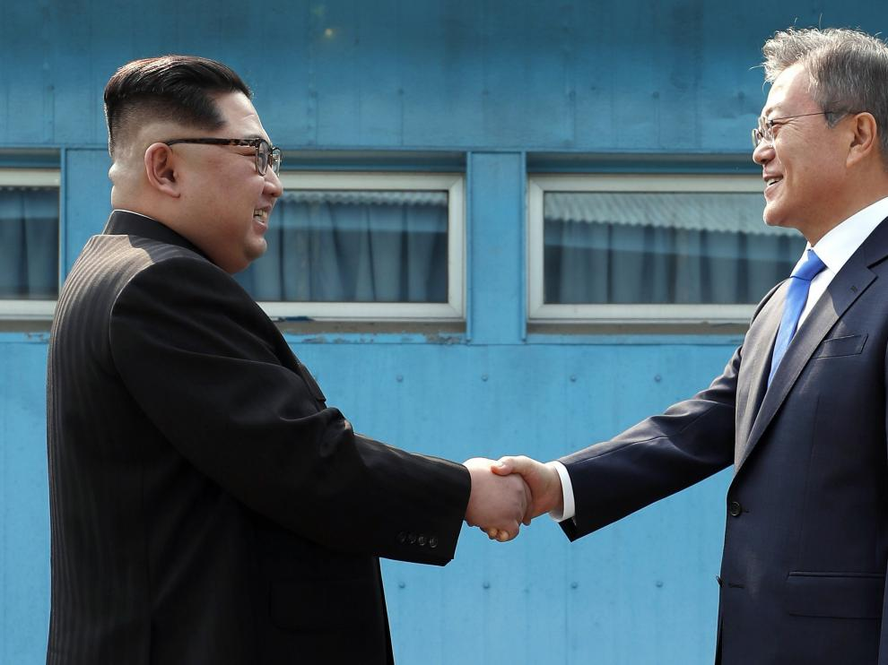 El presidente de Corea del Sur, Moon Jae-in, y el líder norcoreano, Kim Jong-un.