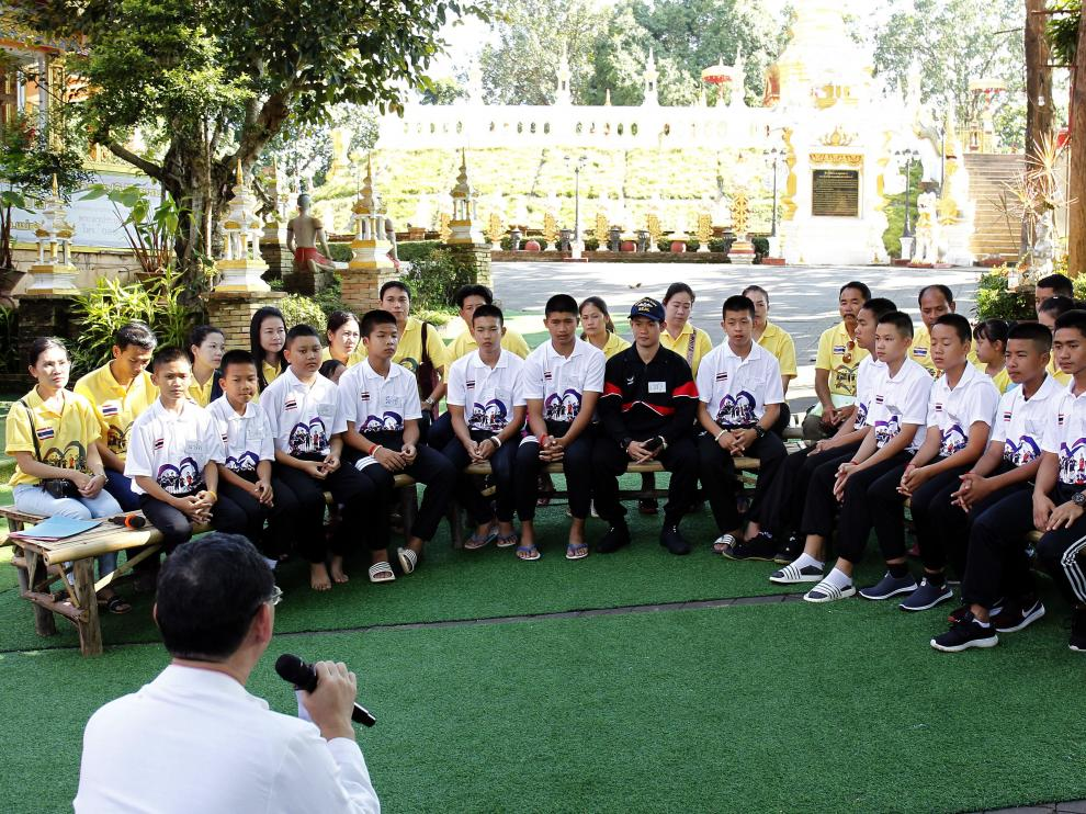 Los niños rescatados de la cueva de Tailandia han ofrecido este domingo la que será su última rueda de prensa en grupo
