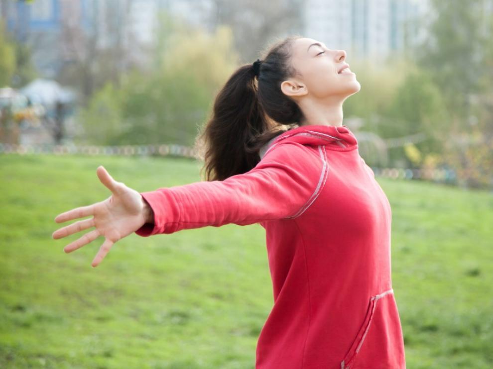 Tomar el aire por la nariz es el primer paso para una respiración completa.