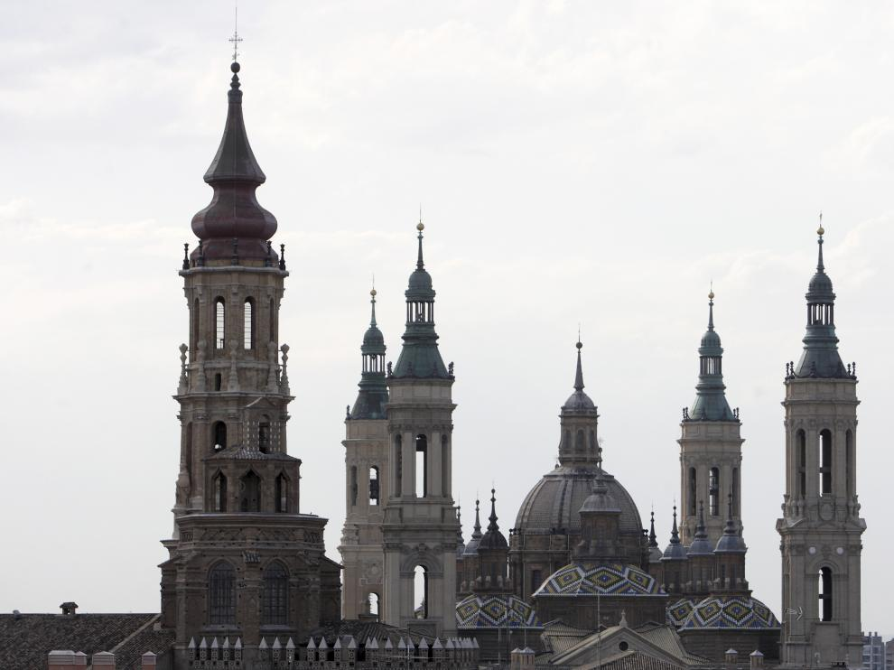 Vista de las 4 torres de la Basílica del Pilar de Zaragoza
