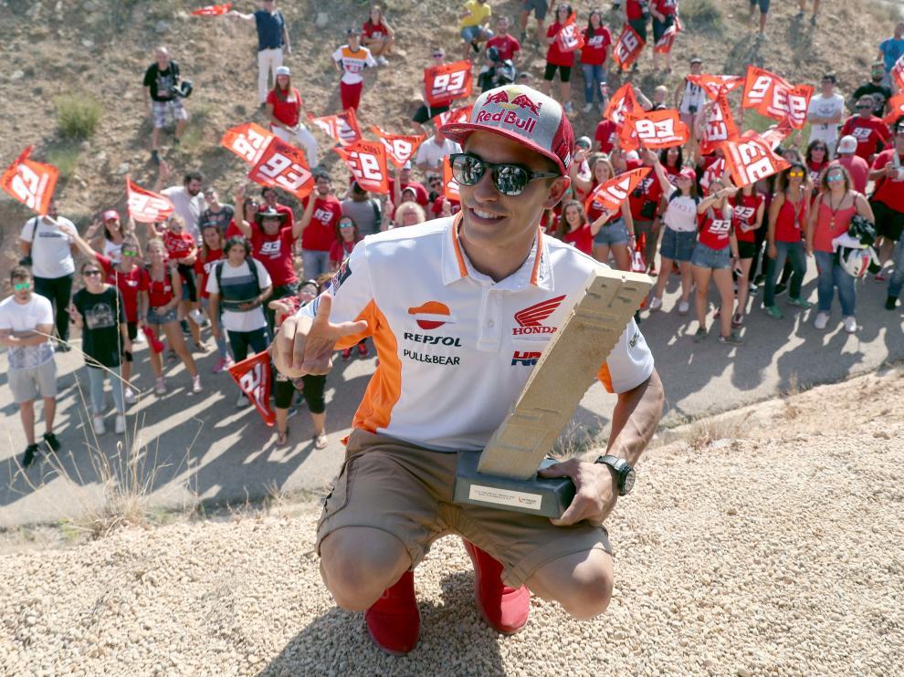 Marc Márquez inaugura su curva de Motorland.