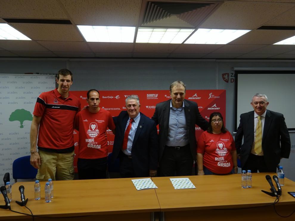 Firma del convenio entre el Tecnyconta Zaragoza y Atades