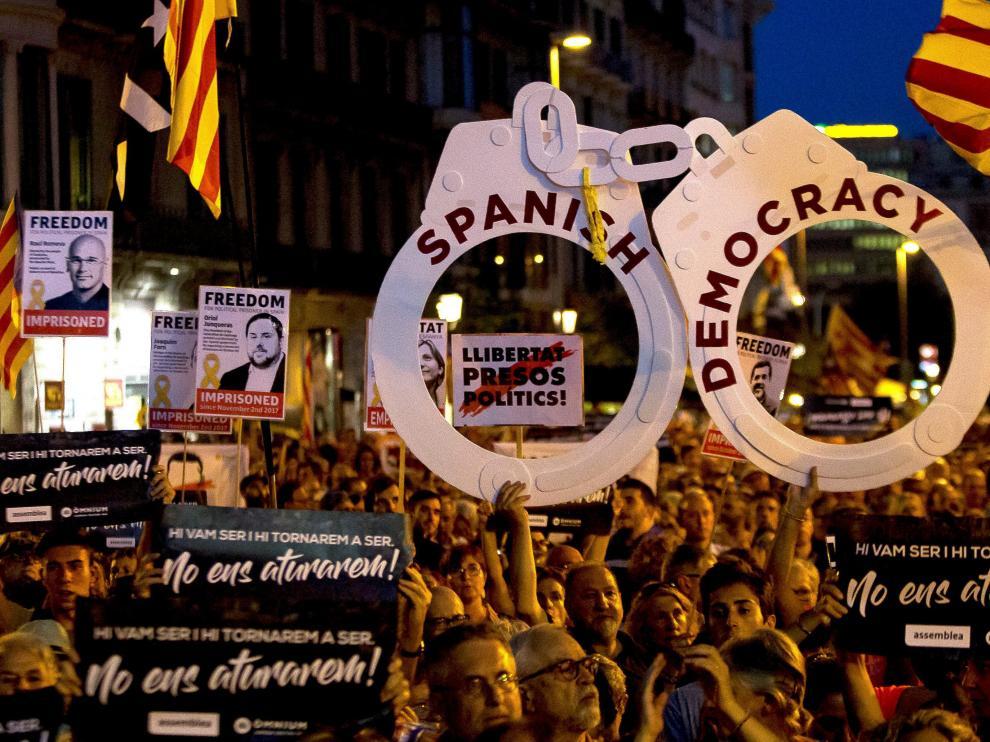 Concentración en Barcelona por la libertad de los Jordis