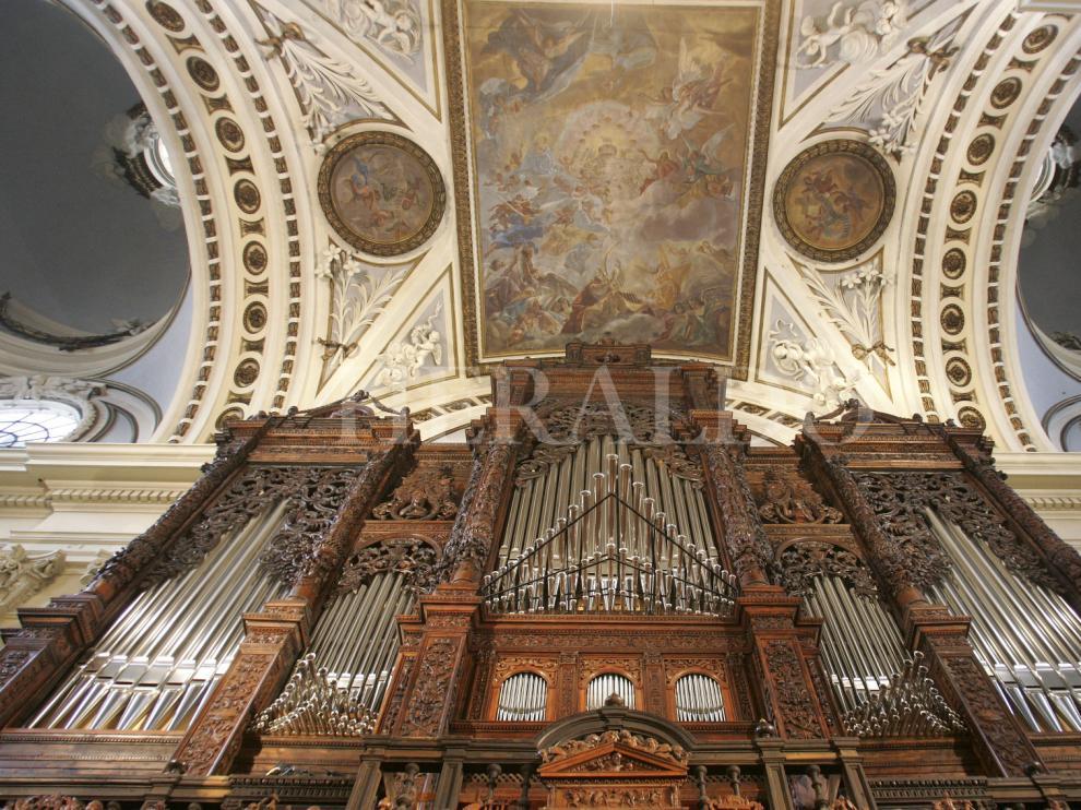 El órgano del Pilar, construido por la compañía alemana Klais, el día de su inauguración solemne el 12 de febrero de 2008.