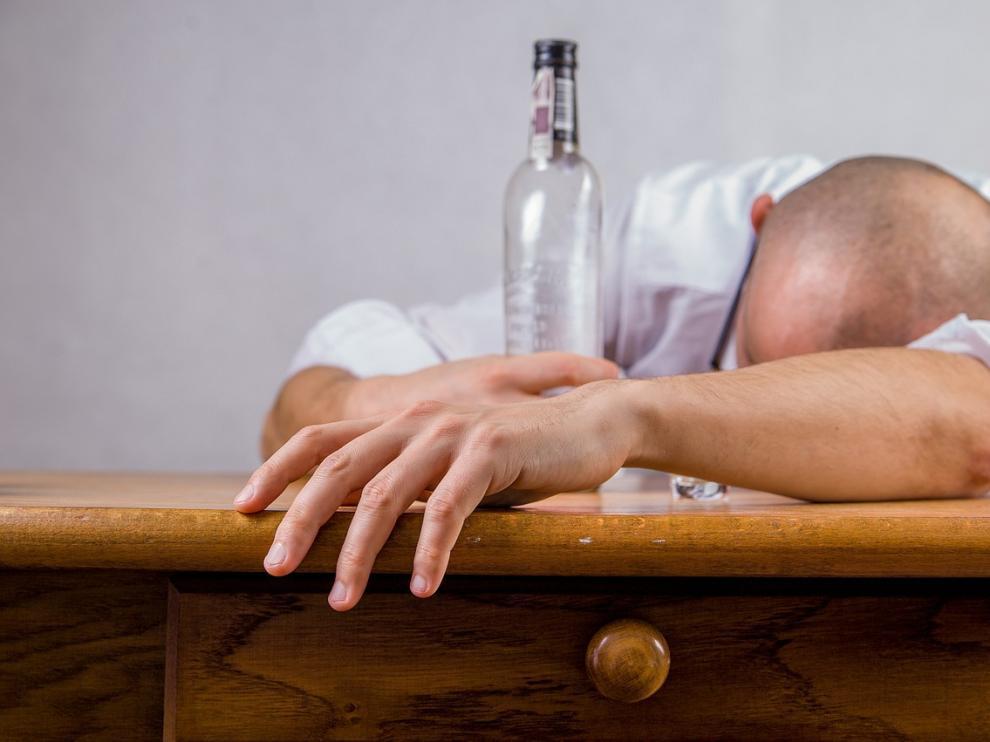 Unos 2.300 millones de personas en el mundo son bebedores comunes.