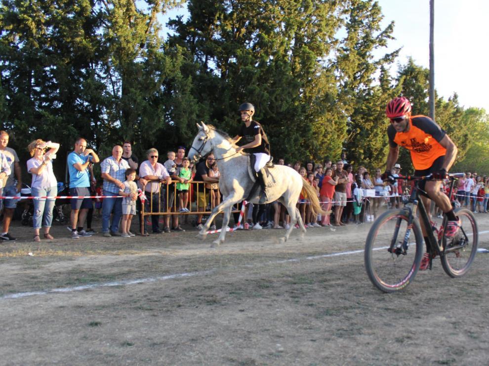 El caballo vence a los atletas de Lanaja