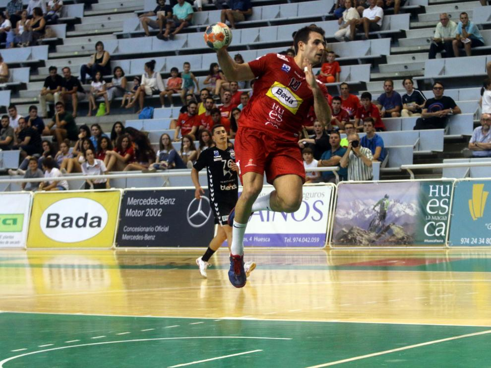 Adriá Pérez, con 5 goles, ha sido uno de los jugadores más destacados por parte del Bada Huesca.