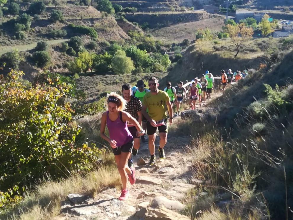 Un momento de la V Trail Reino de los Mallos que se ha disputado este domingo en Murillo de Gállego y Agüero.