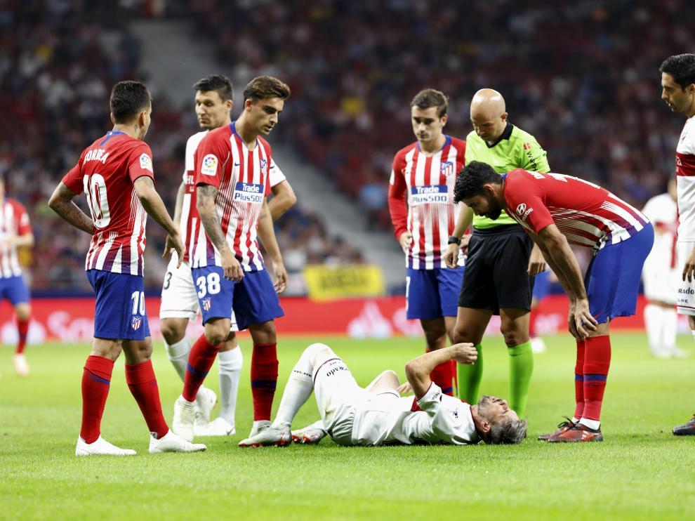 Jugadores del Huesca y el Atlético se interesan por el estado de Luisinho.