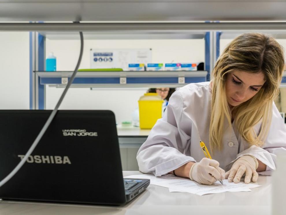 El grado de Bioinformática, que puede cursarse con Farmacia, es la gran novedad de la USJ para este curso 2018-2019
