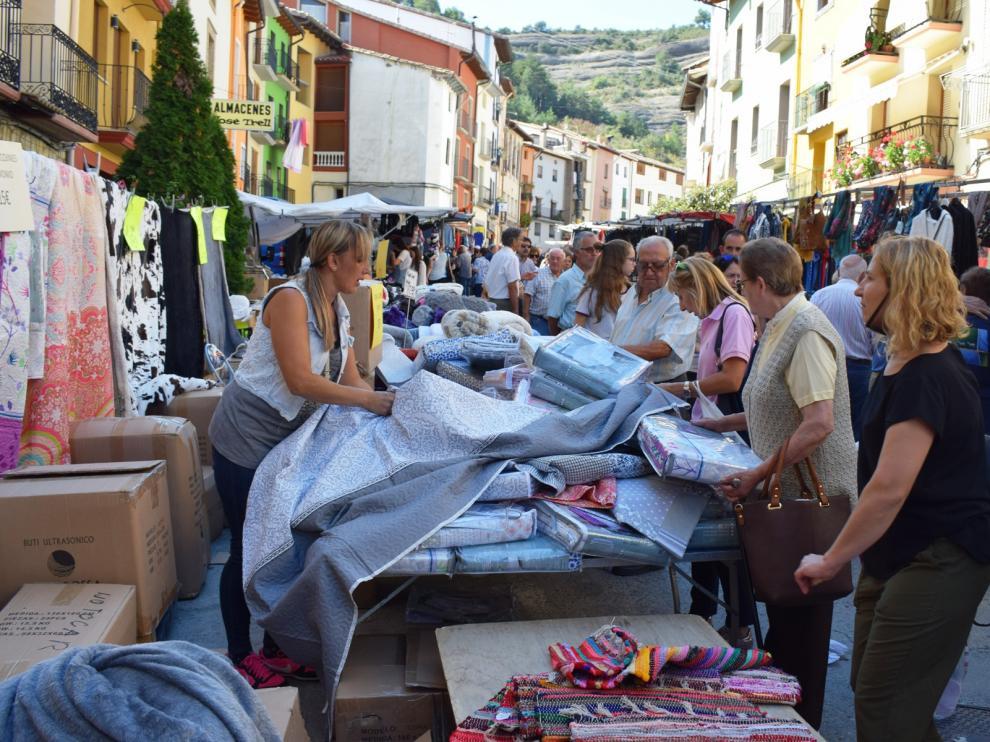 Graus celebra una muy animada Feria de San Miguel