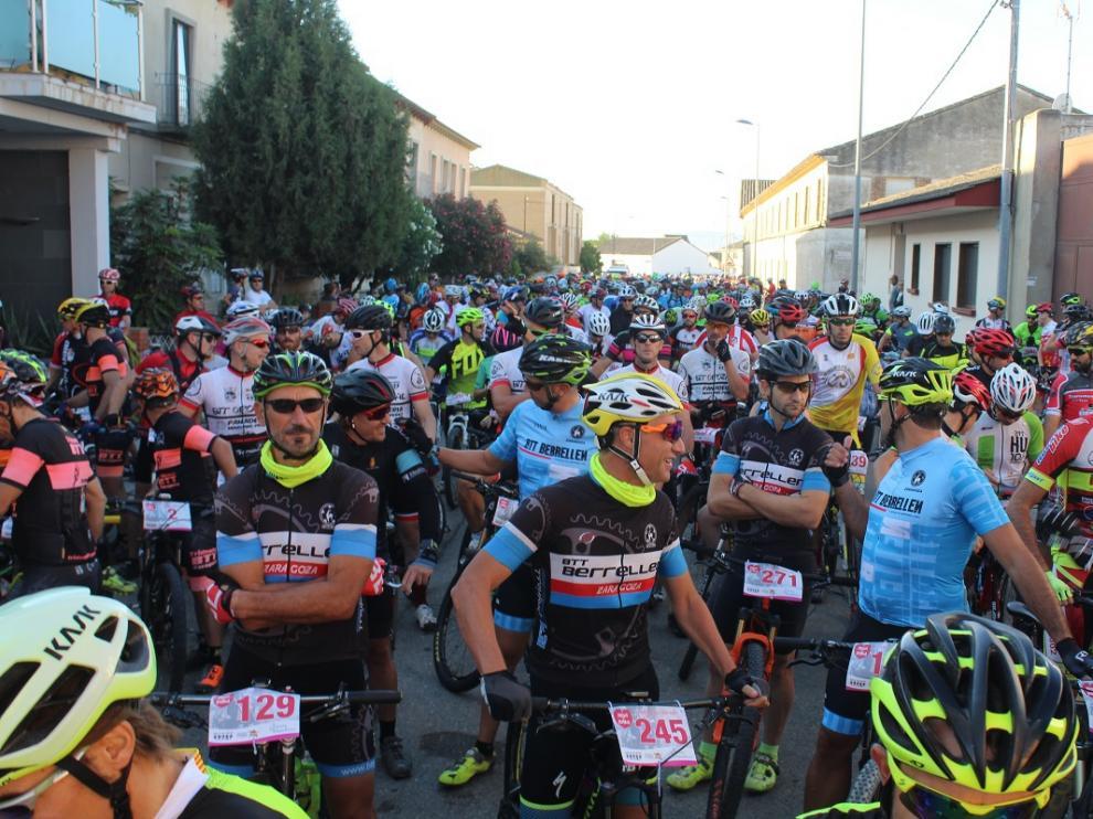 Aspanoa reúne a 700 ciclistas en Almudévar para pedalear contra el cáncer infantil