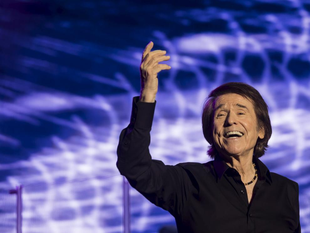 Apasionado concierto de Raphael en Zaragoza