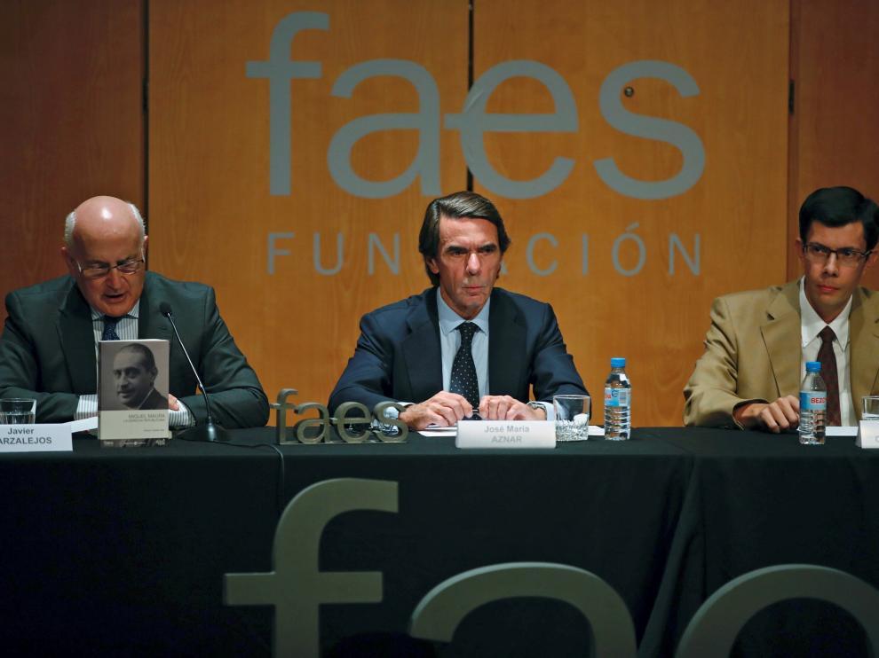 El expresidente José María Aznar, durante la presentación de la biografía de Miguel Maura.