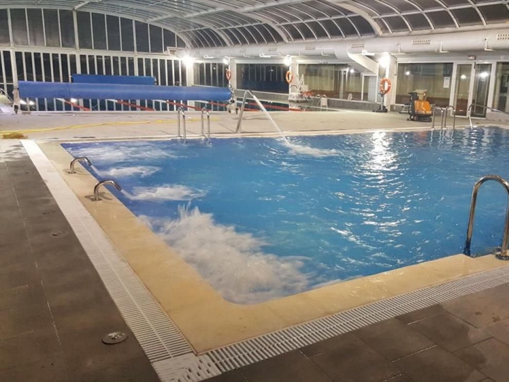 Zona terapéutica de la piscina cubierta de Utrillas.