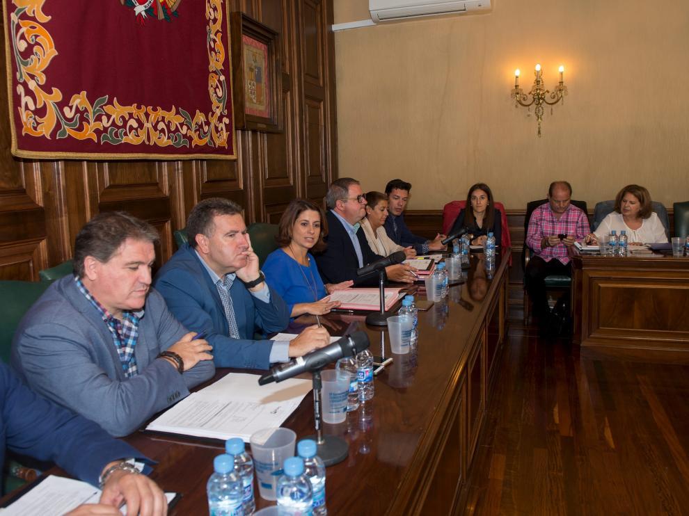 Foto de archivo de un pleno del Ayuntamiento de Teruel