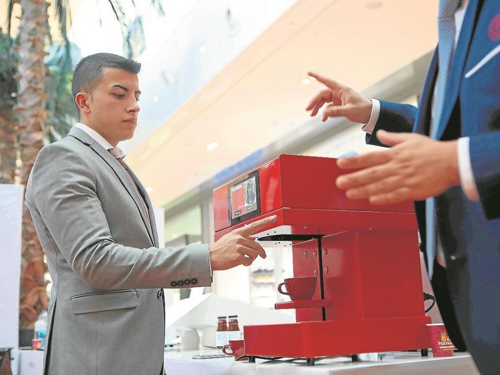 El Ericoffee permite 'imprimir' imágenes en la espuma del café.