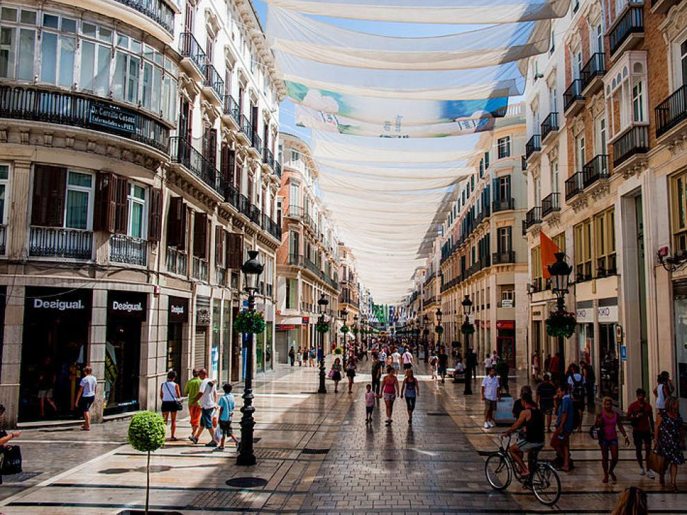 El joven, que ha sido examinado por el médico forense, fue detenido por su presunta responsabilidad en once delitos contra la libertad sexual cometidos a mujeres en la ciudad de Málaga.