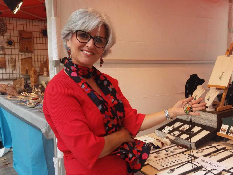 Los artesanos aragoneses ponen a prueba su creatividad en la plaza de Los Sitios