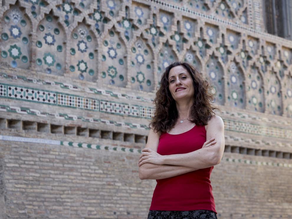 Laura Gómez-Lacueva, en el paño mudéjar de La Seo, uno de los lugares favoritos de su padre.