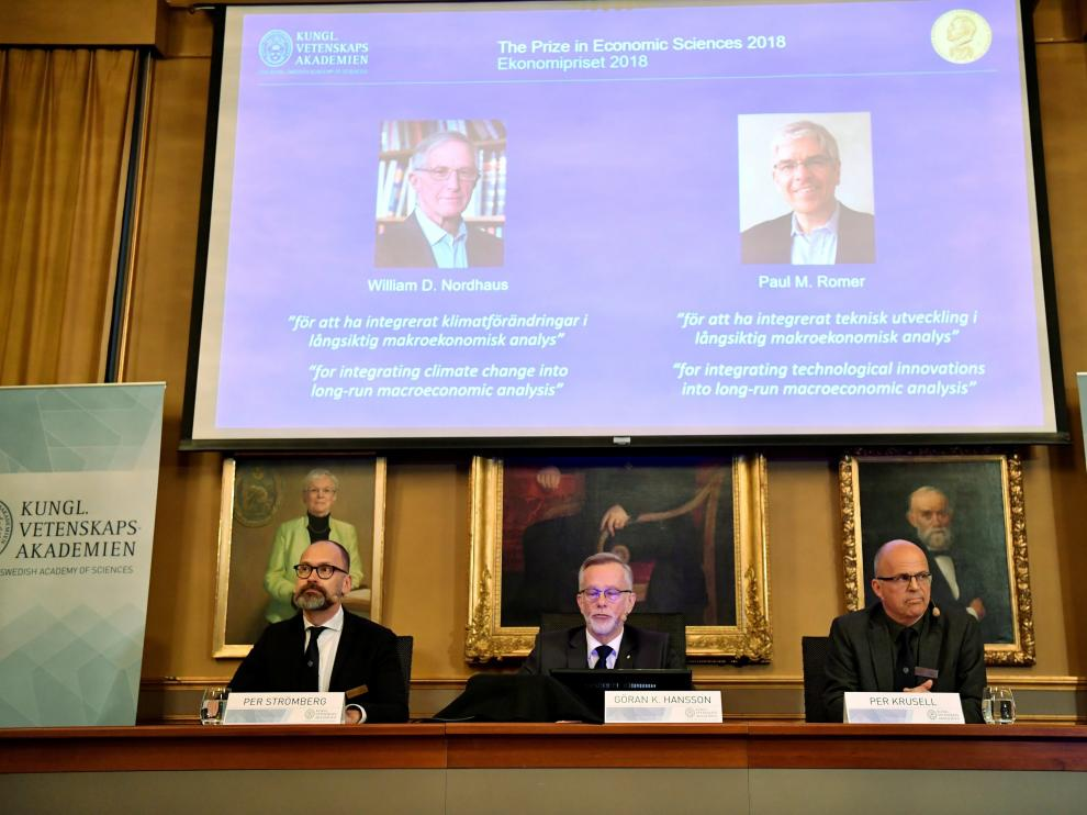 Momento en el que la Academia sueca ha anunciado el nombre de los ganadores del Nobel de Economía.