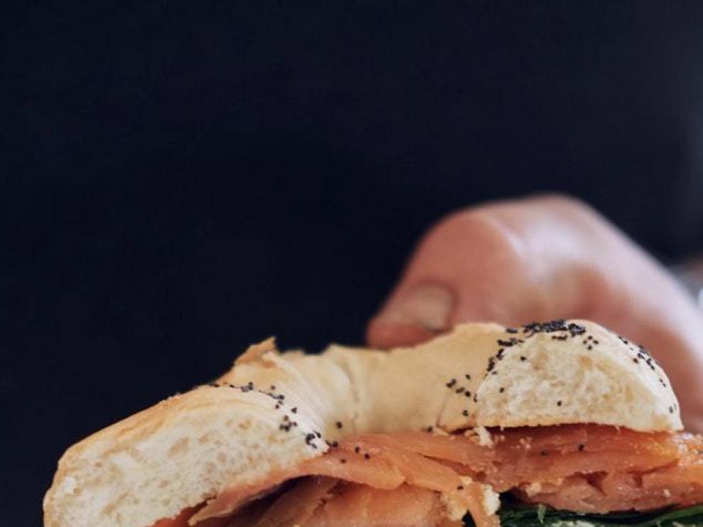 El bocadillo de salmón puede ser una gran opción cuando toca sandwich.