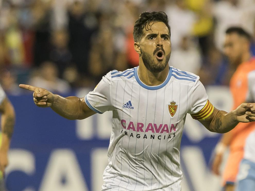 Javi Ros celebra su gol ante el Rayo Majadahonda.