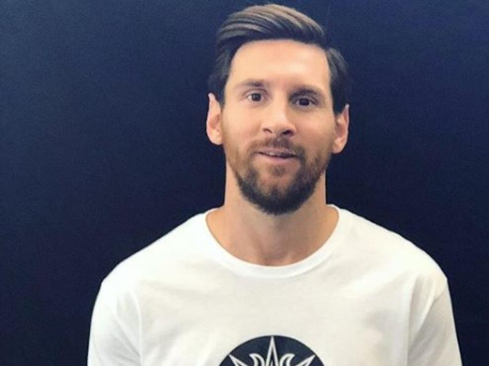 El espectáculo está basado en la vida del futbolista y su pasión por el fútbol.