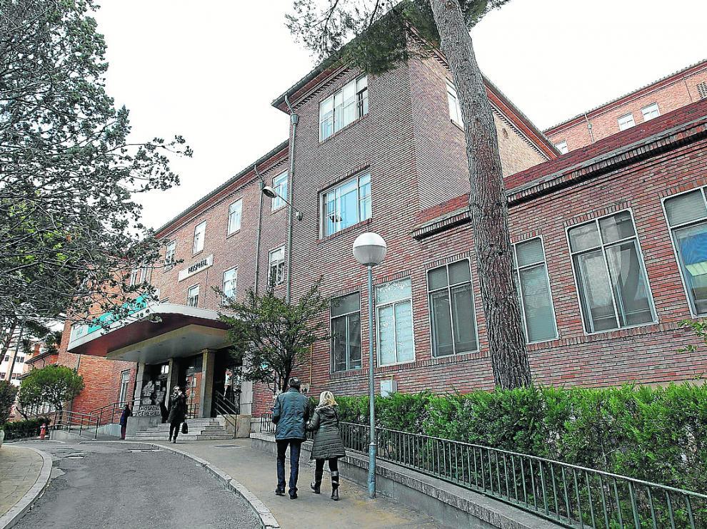 Acceso principal al hospital Obispo Polanco de Teruel.