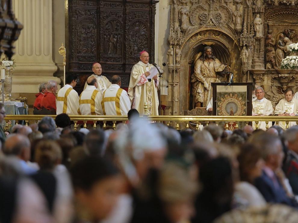 La misa ha sido multitudinaria en el día grande de Zaragoza