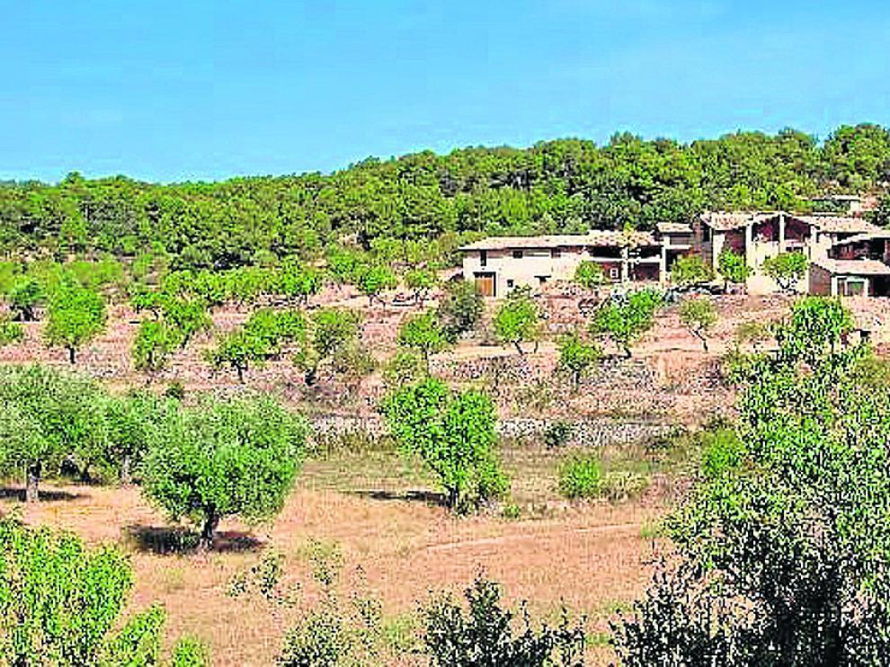 El mas de Xutxim de La Portellada, rehabilitado como segunda residencia.