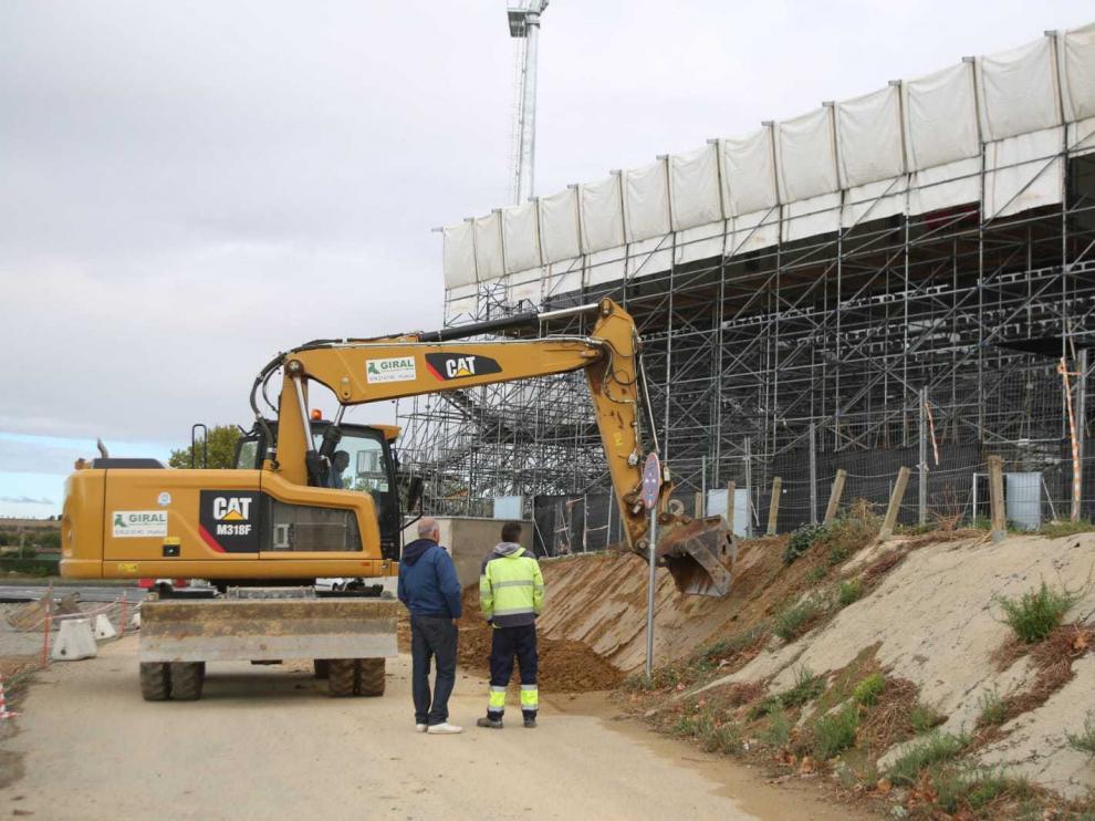 Las obras han comenzado este lunes en el tramo entre el estadio y Martínez de Velasco