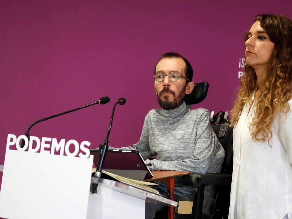 El secretario de Organización de Podemos Pablo Echenique y la diputada Noelia Vera, este lunes en Madrid