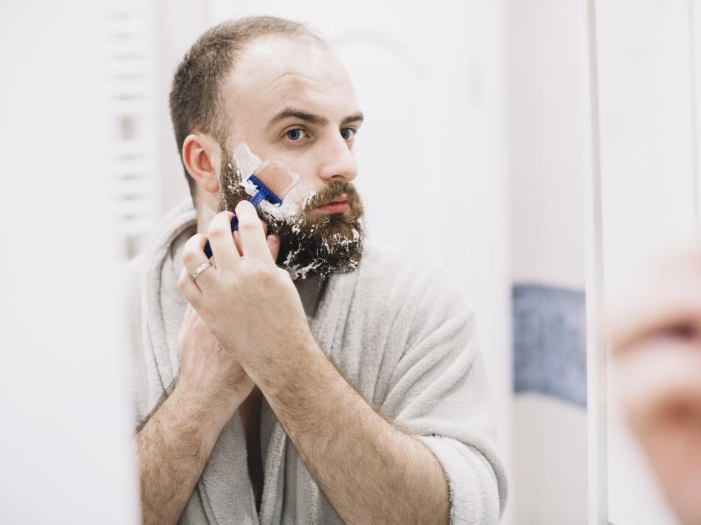Un mal afeitado puede provocar daños en la piel, como cortes o irritación.