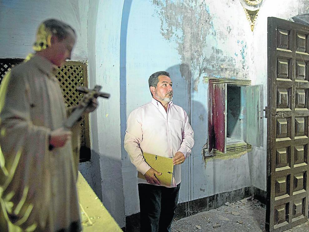 Ignacio Marcuello, alcalde de Sabiñán, en el palacio de Argillo.