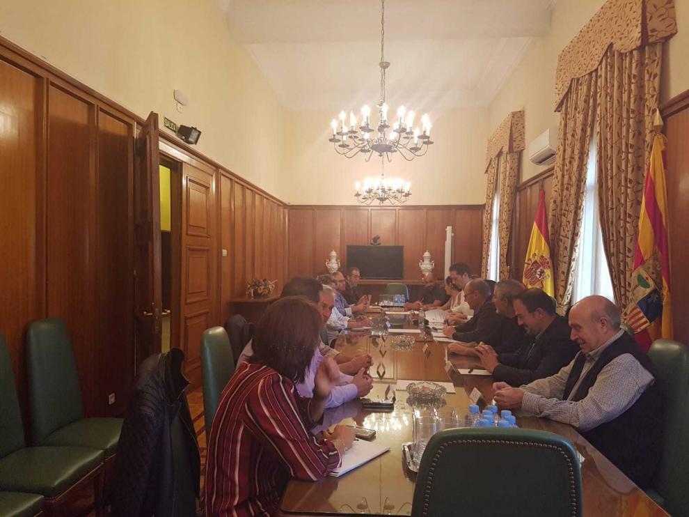 Reunión en Subdelegación por la vía verde de Ojos Negros.