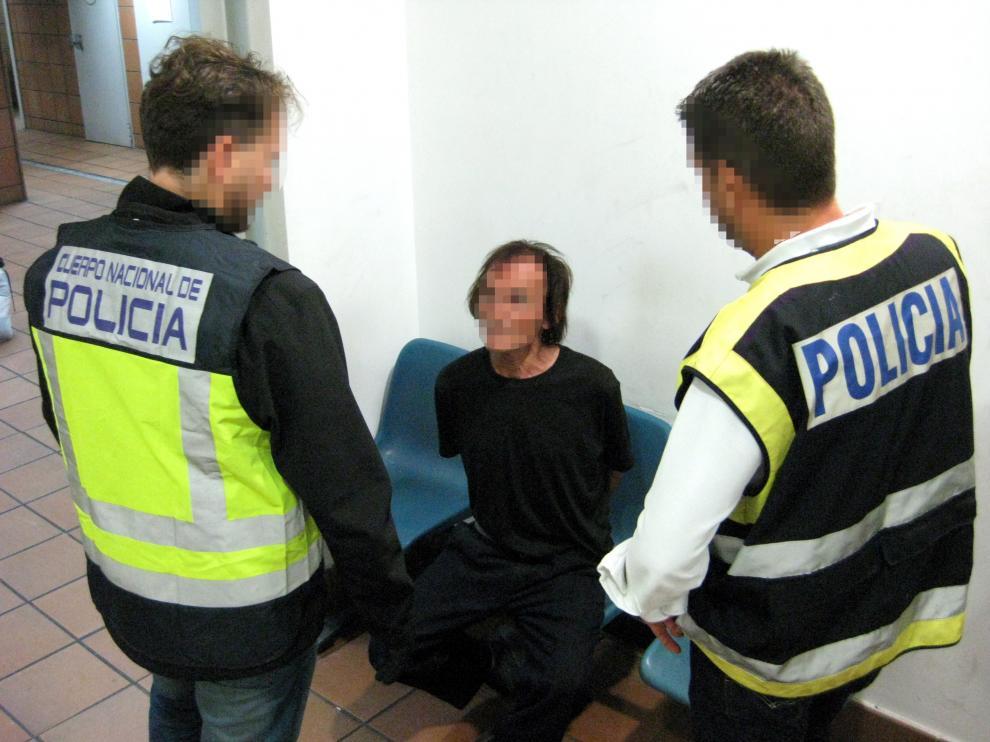 Benito Órtiz Perea, con el pelo teñido, tras ser detenido en la estación de Delicias de Zaragoza el pasado 3 de octubre.