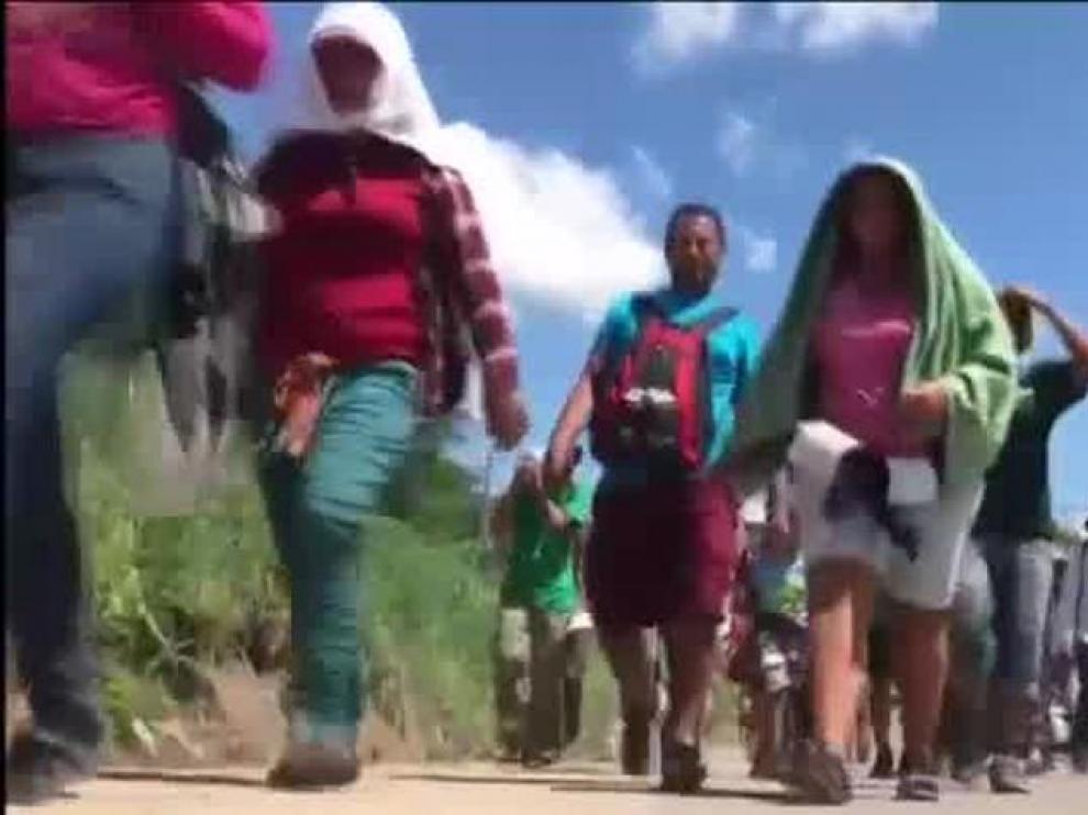 La caravana de migrantes continúa su paso por México.