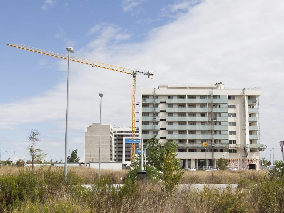 Imagen de archivo de viviendas de obra nueva en Zaragoza.