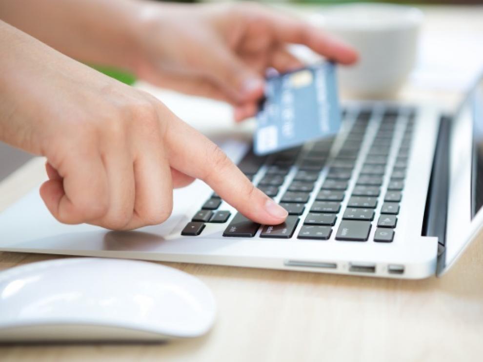 Los pedidos efectuados a través de smartphone alcanzarán un cuarto de las ventas llevadas a cabo este lunes.