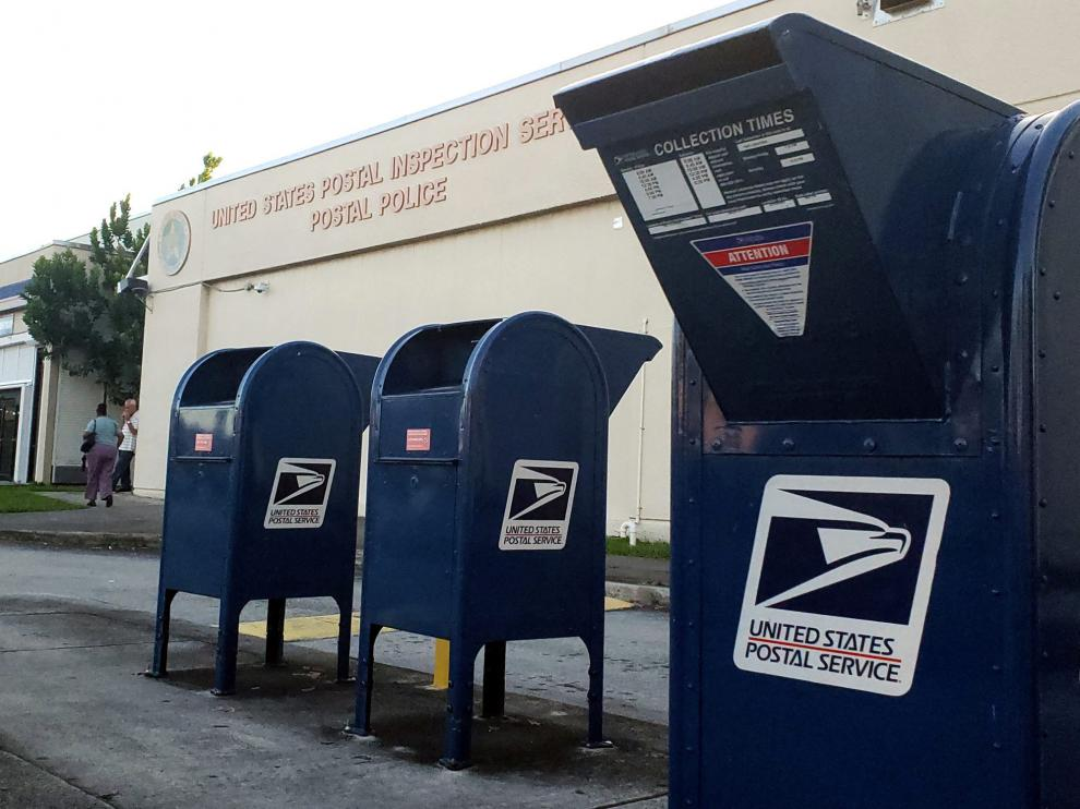 Unos buzones de correos junto al europuerto internacional de Miami (Florida).