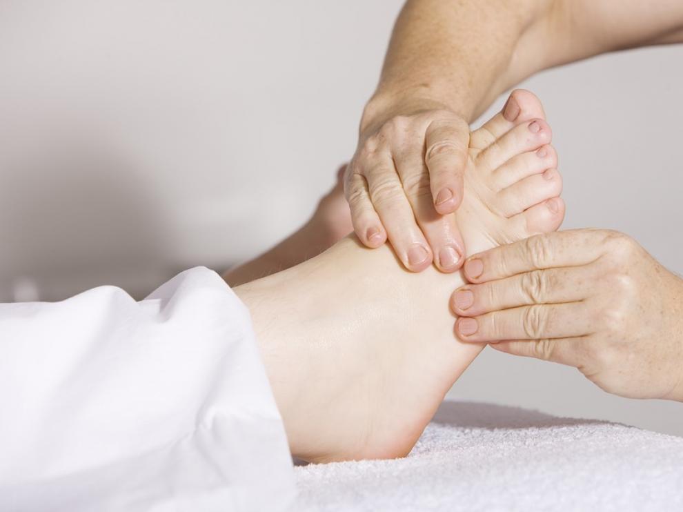 Imagen de archivo de un masaje de fisioterapia.