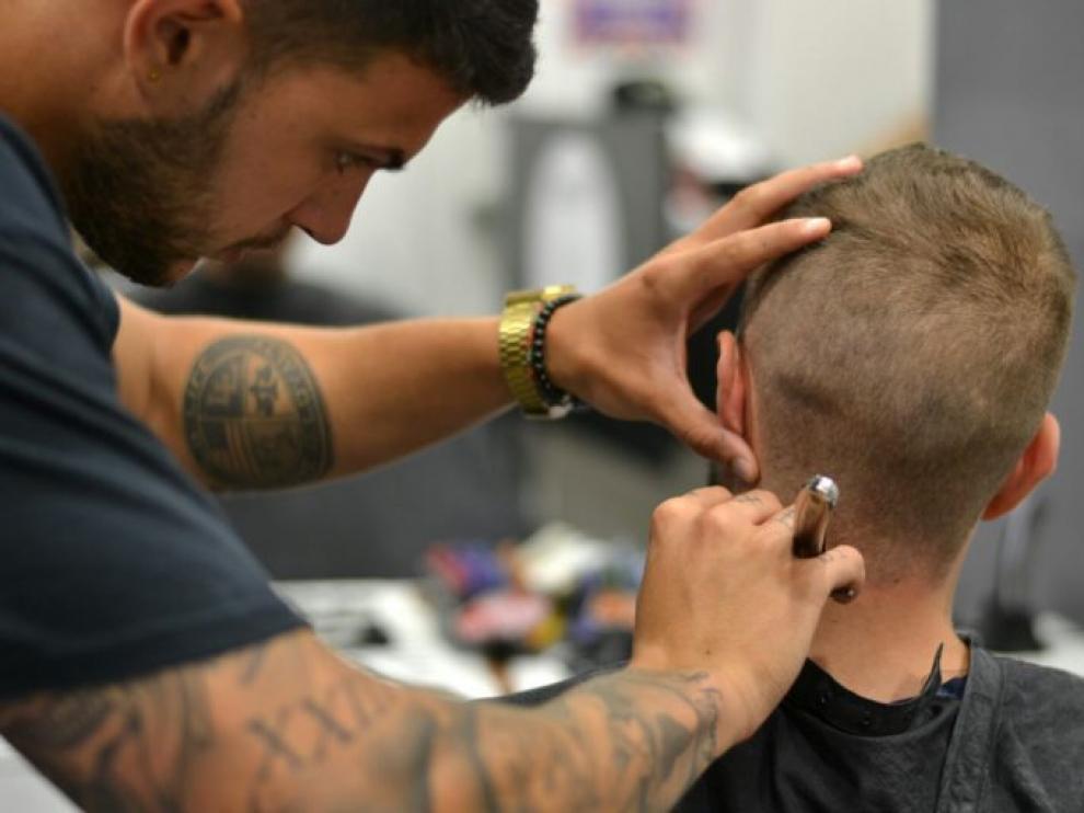 La barbería cambia de local para ampliar el negocio con una escuela específica para barberos
