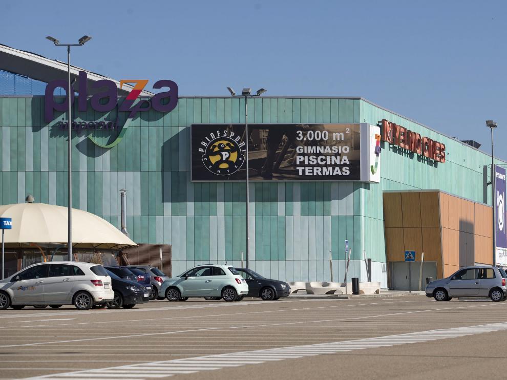 El ambicioso centro comercial del automóvil, situado frentea Plaza Imperial, se estrenó en 2007, pero fue una ruina y ahora acoge todo de tipo de negocios y actividades.